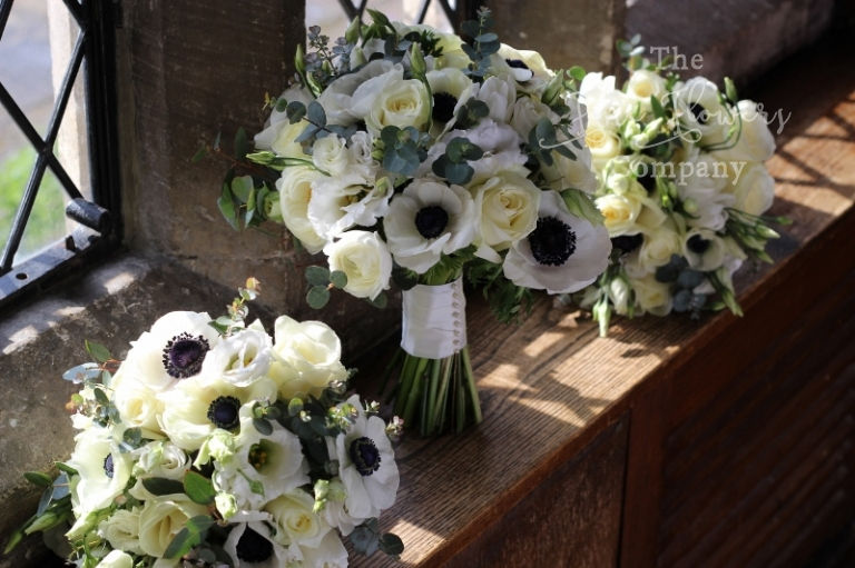 Wedding Bouquets Of Avalanche White Roses Black And Anemones Ranunculus Lisianthus