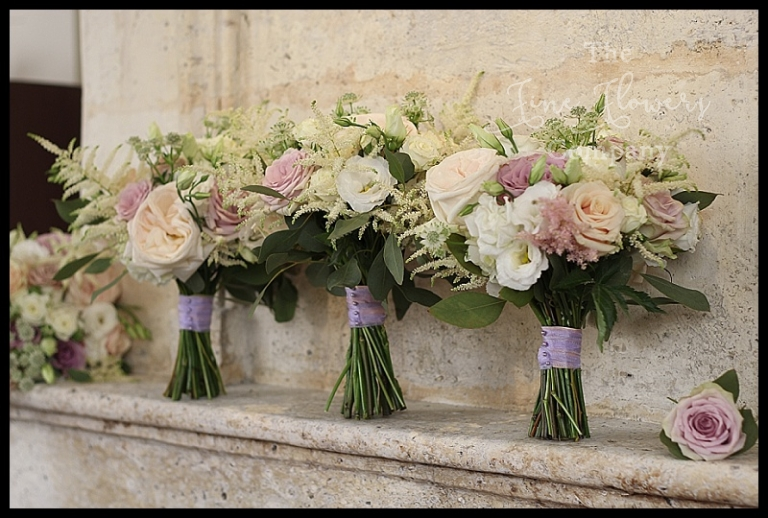 wild vintage bouquets of ivory, cream, nude pink and soft lilacs. With Mentha Menta roses, lisianthus, Memory Lane and astilbe.